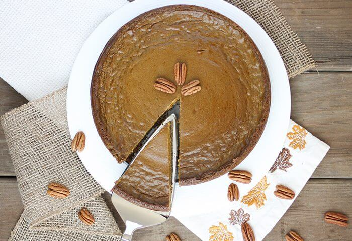 vegan-pumpkin-pie-pecan-crust-37-750x1125-480kb