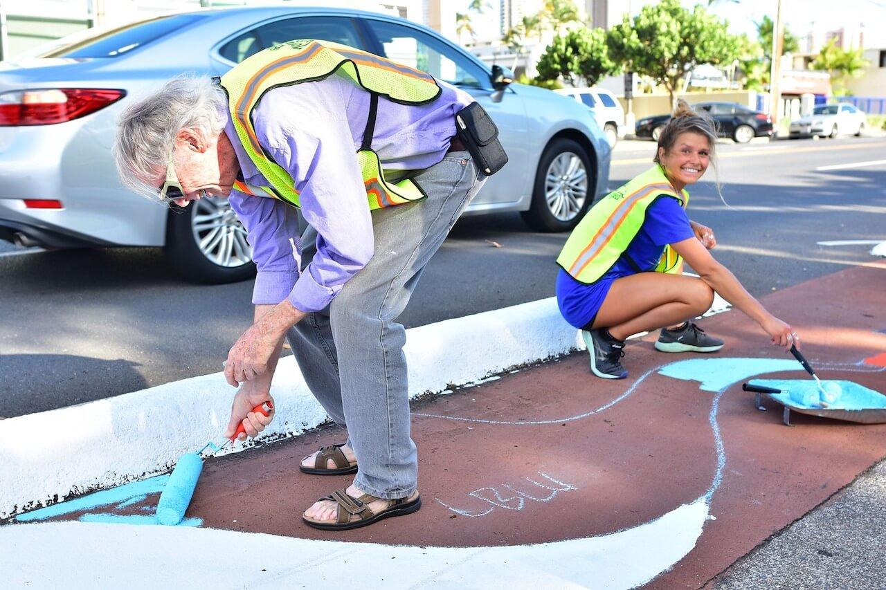 bulb-out-pedestrian-hawaii-street-art