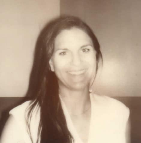Headshot of April Lunde